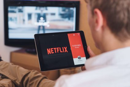 Netflix Warns of Delays after a Skyrocketing Sise of Subscribers