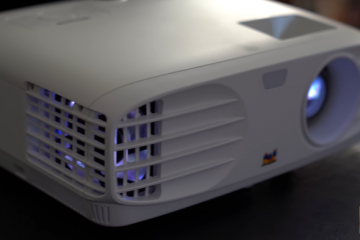 ViewSonic 1080p Projector: How to Build a Makeshift Home Theater