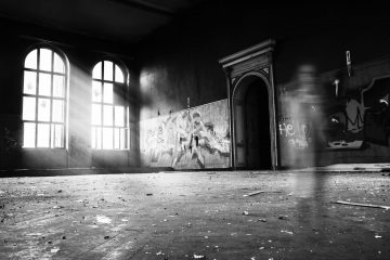 Halloween 2020: How to Capture Ghosts Using Camera?