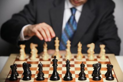 'Cheating Queen's Gambit': Chess.com Closes Over 18,000 Accounts