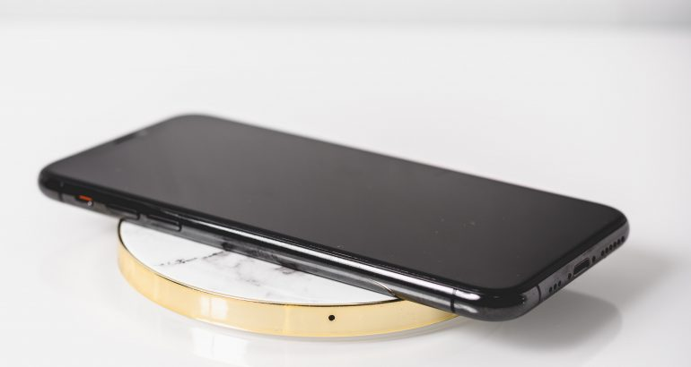 Best Wireless Chargers for Android and Apple Users