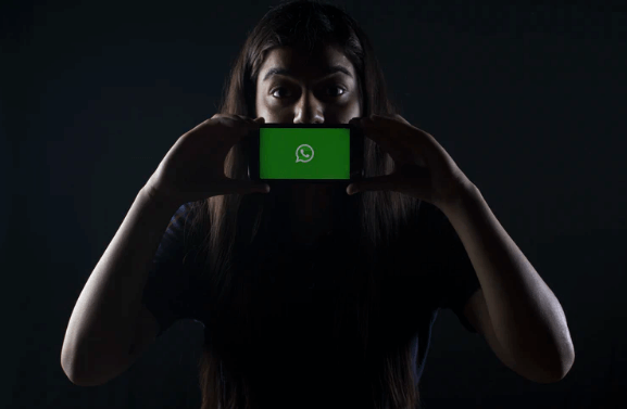 Mandatory Face ID or Touch ID for WhatsApp Authentication: Here's Why