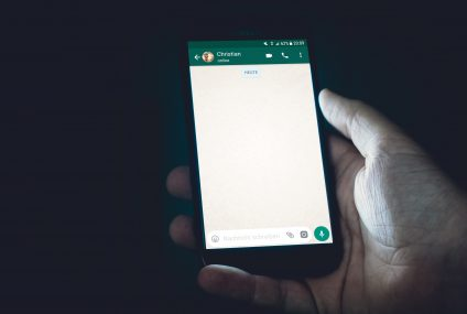 WhatsApp: Connect With Facebook or Never Use App at All!