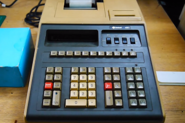 70s Rockwell 920 Calculator Reveals Advanced Technology for Its Time
