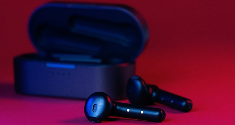 Kickstarter Offers a Tiny Washing Machine to Clean Your Earbuds