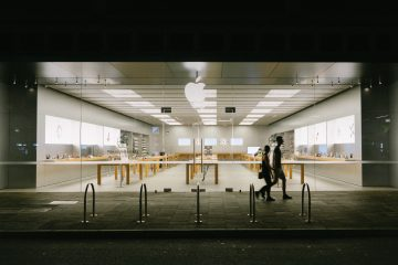Apple May Not Yet Allow Mask-Free Customers in Stores