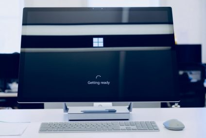 Microsoft's Windows 10X Could Not Arrive and Here's Why