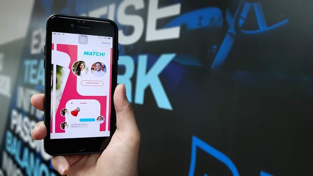 Tinder Users to be Safer From Offensive Comments: How AYS Feature Works