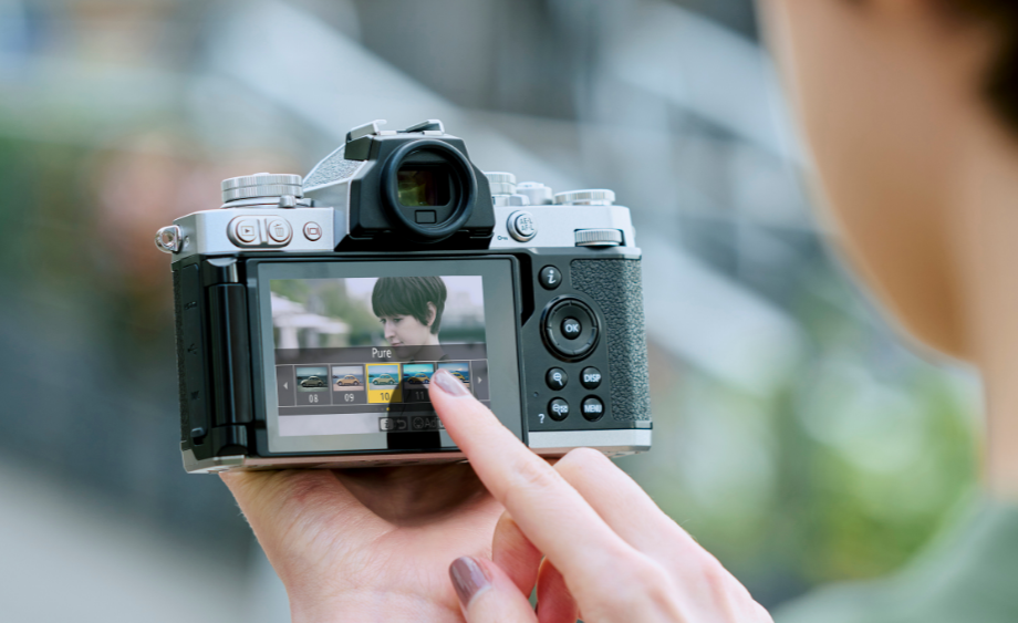 Nikon Z FC Is An Advanced Model With 80s Look: Why Is It In-Demand?