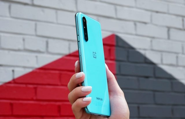 OnePlus Weakens Popular Apps' Performances To Increase Battery Life