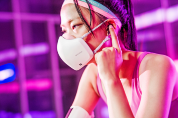 LG Face Mask: Mic, Speakers, and Air-Purification