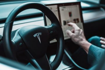 FSD Beta 10.2 Update: Drivers must score 100 to get feature, Elon Musk says